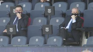 Bartomeu y Florentino, en el clásico liguero en el Camp Nou en octubre de 2020.