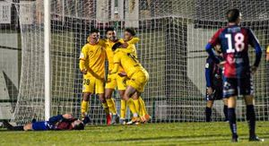 Los jugadores del Girona celebran un gol en Segovia.