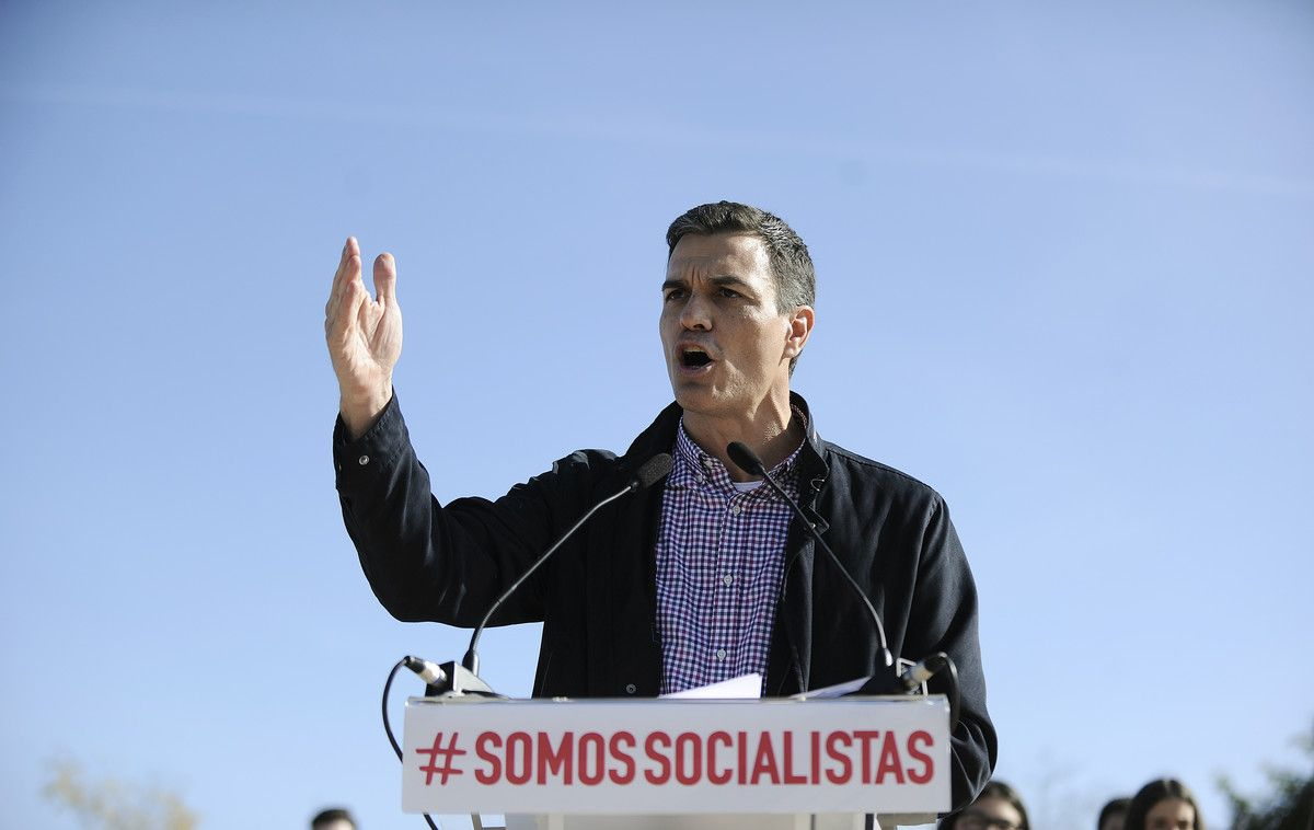 El exlíder del PSOE, y aspirante de nuevo a la secretaría general, Pedro Sánchez, en Dos Hermanas (Sevilla).