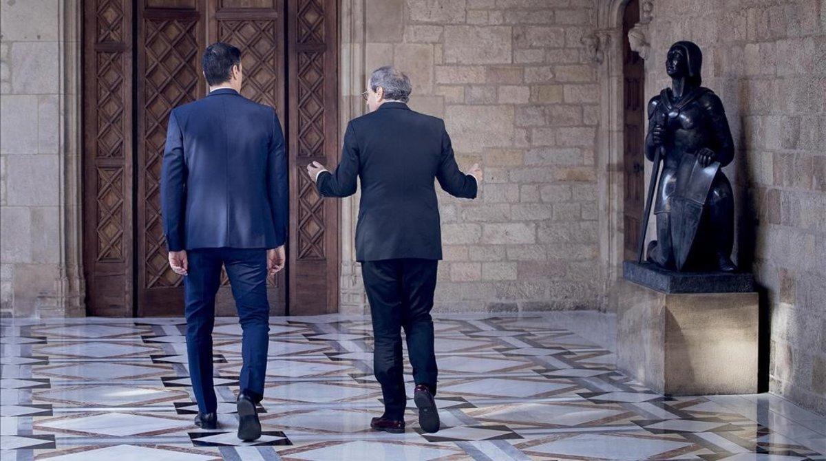 Pedro Sánchez y Quim Torra, durante su encuentro en el Palau de la Generalitat, el 6 de febrero.