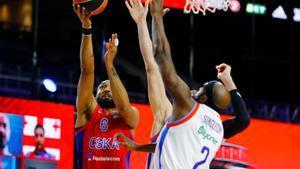L'Efes sobreviu a la furiosa reacció del CSKA i torna a la final
