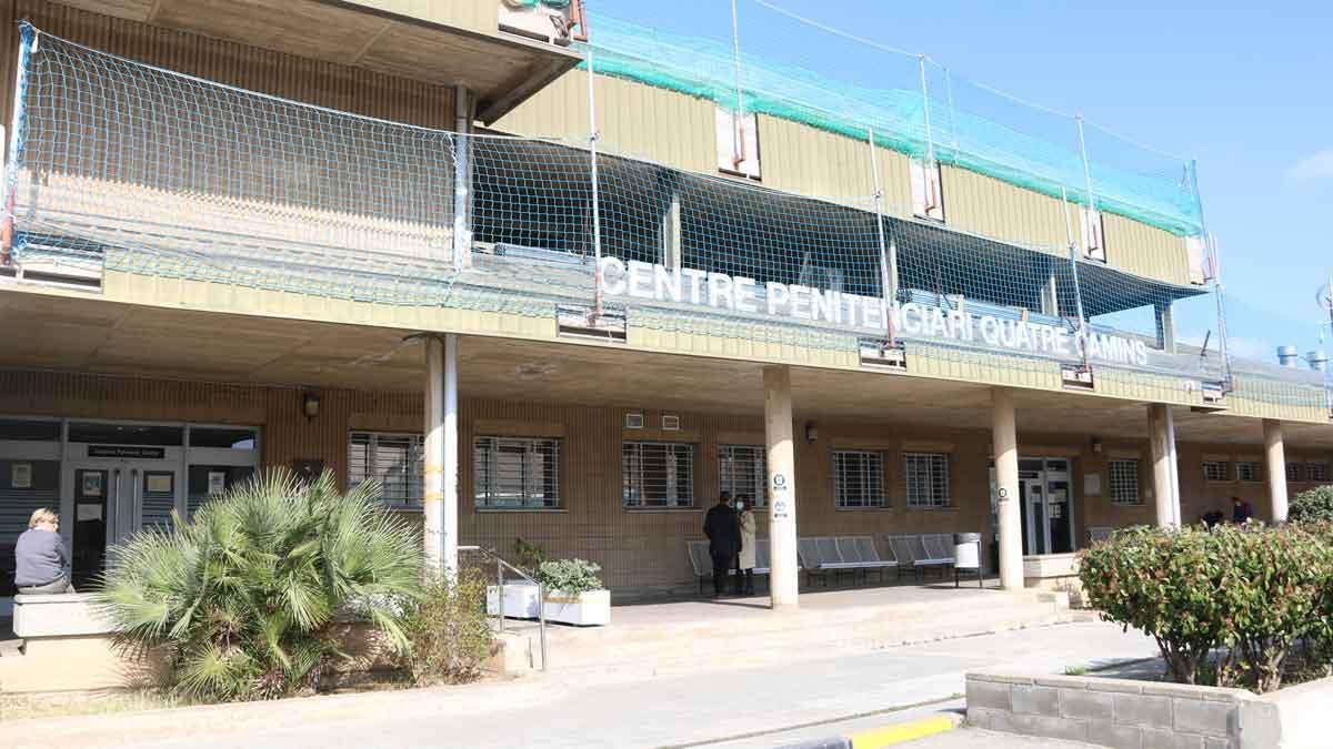 Entrada de la cárcel de Quatre Camins.
