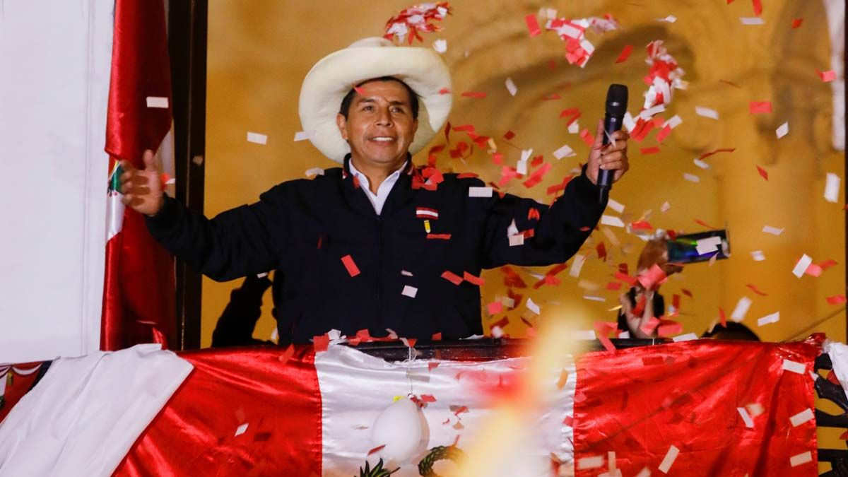 Pedro Castillo se dirige a sus seguidores