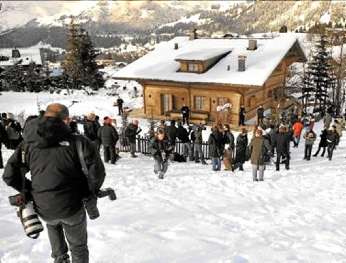 Paparazis en Gstaad, lujosa estación de esquí en Suiza.