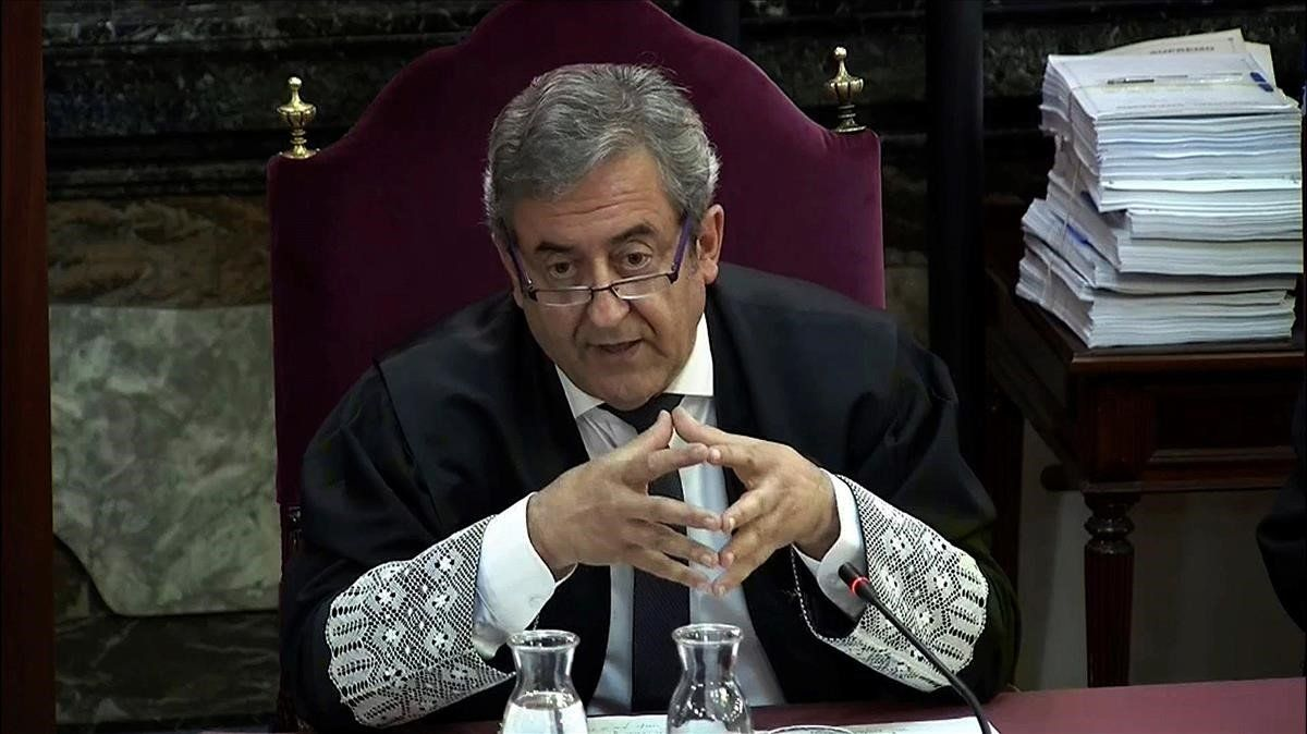 El fiscal Javier Zaragoza lee su informe final en el juicio del 'procés'