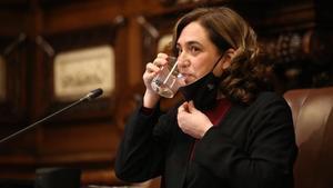 La alcaldesa Ada Colau, durante el pleno de este viernes.