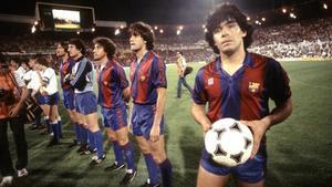 Maradona, en sus tiempos de jugador del Barça.