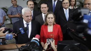 La ministra Pastor se reúne con Martinelli para mediar en la crisis del canal.