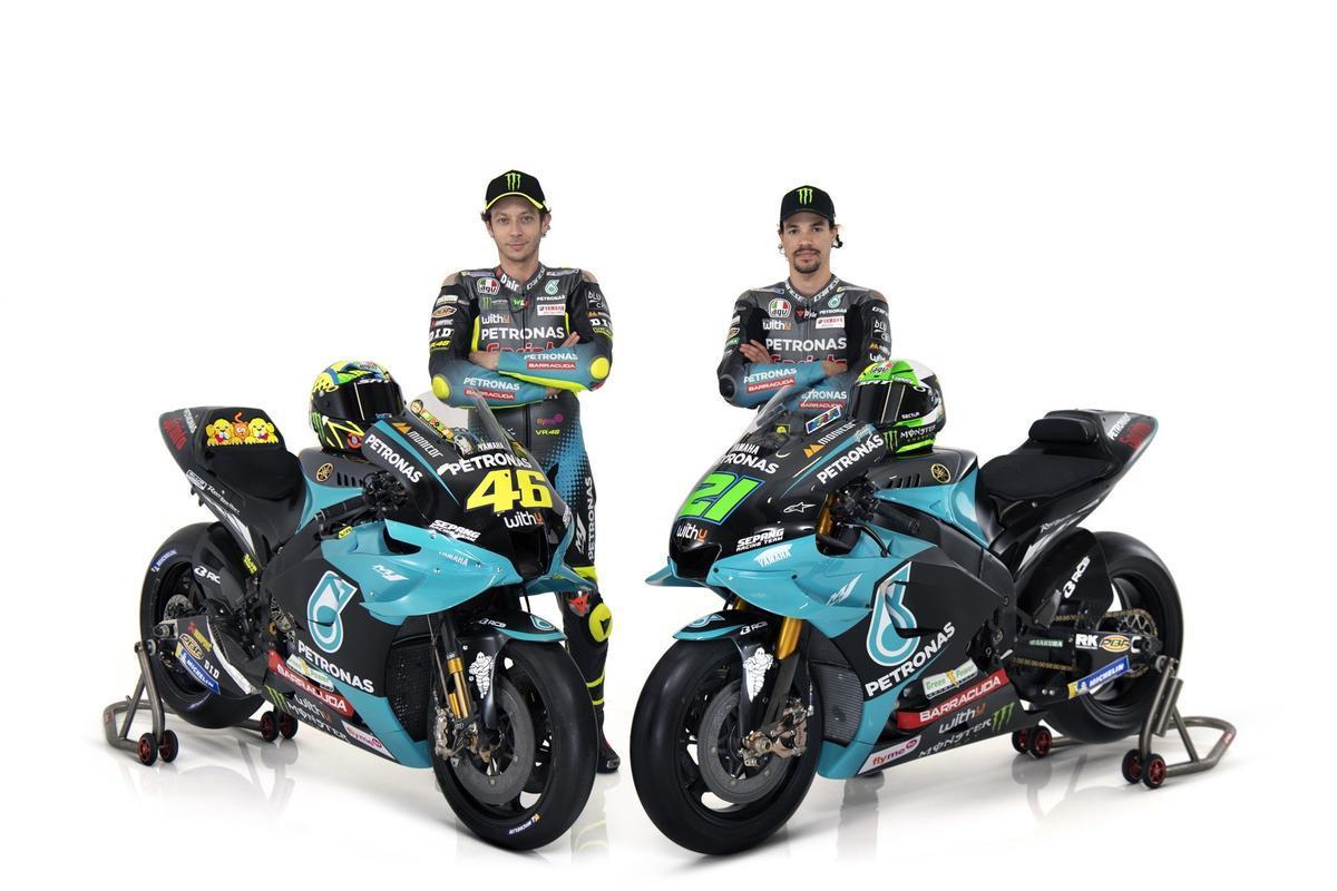 Valentino Rossi y Franco Morbidelli, hoy en la presentación del equipo Petronas Yamaha.