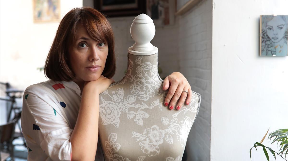 Erika Irusta: «La menstruación aún continúa siendo un tabú»