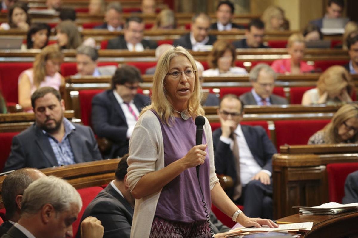 La 'consellera' Neus Munté, en el Parlament, el jueves pasado.