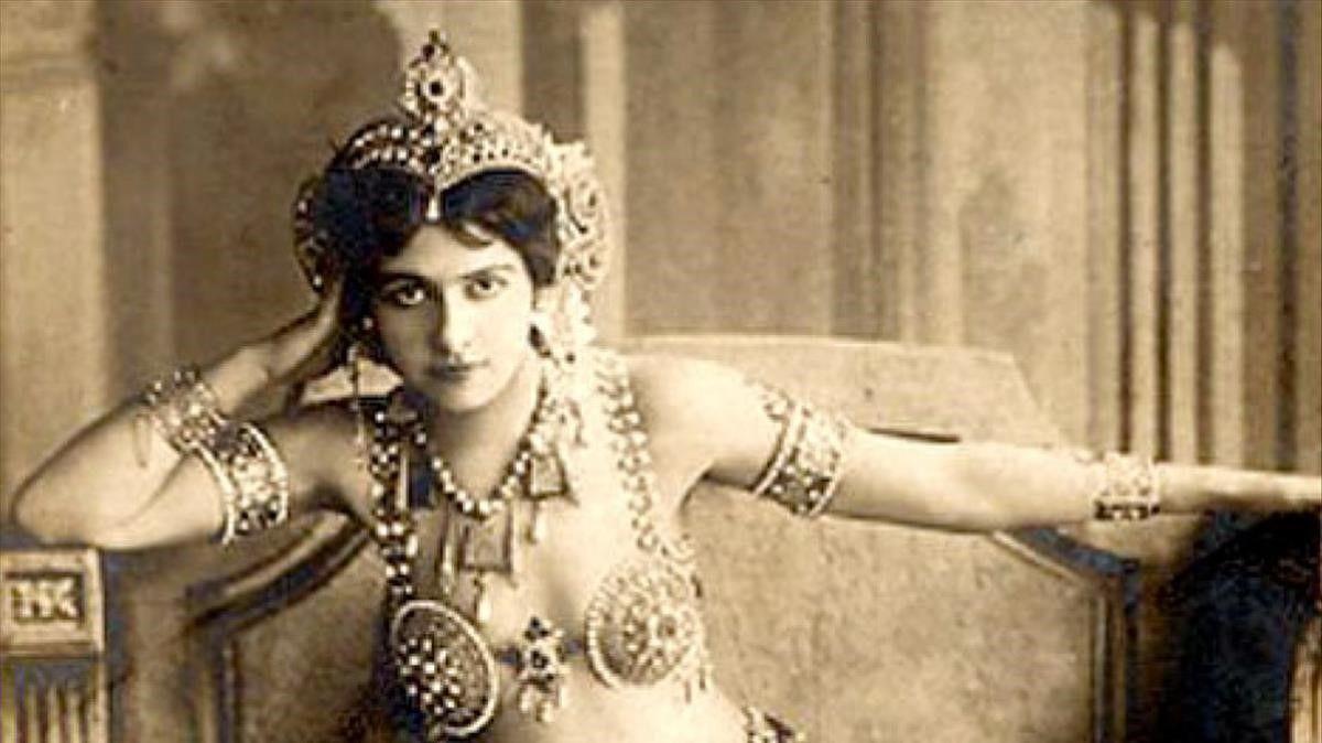 Dieciséis espías en Barcelona y, casi, Mata Hari