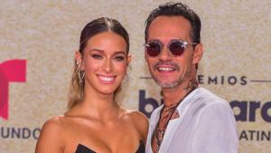 Marc Anthony presenta a su novia, de 19 años, en los Premios Billboard 2021