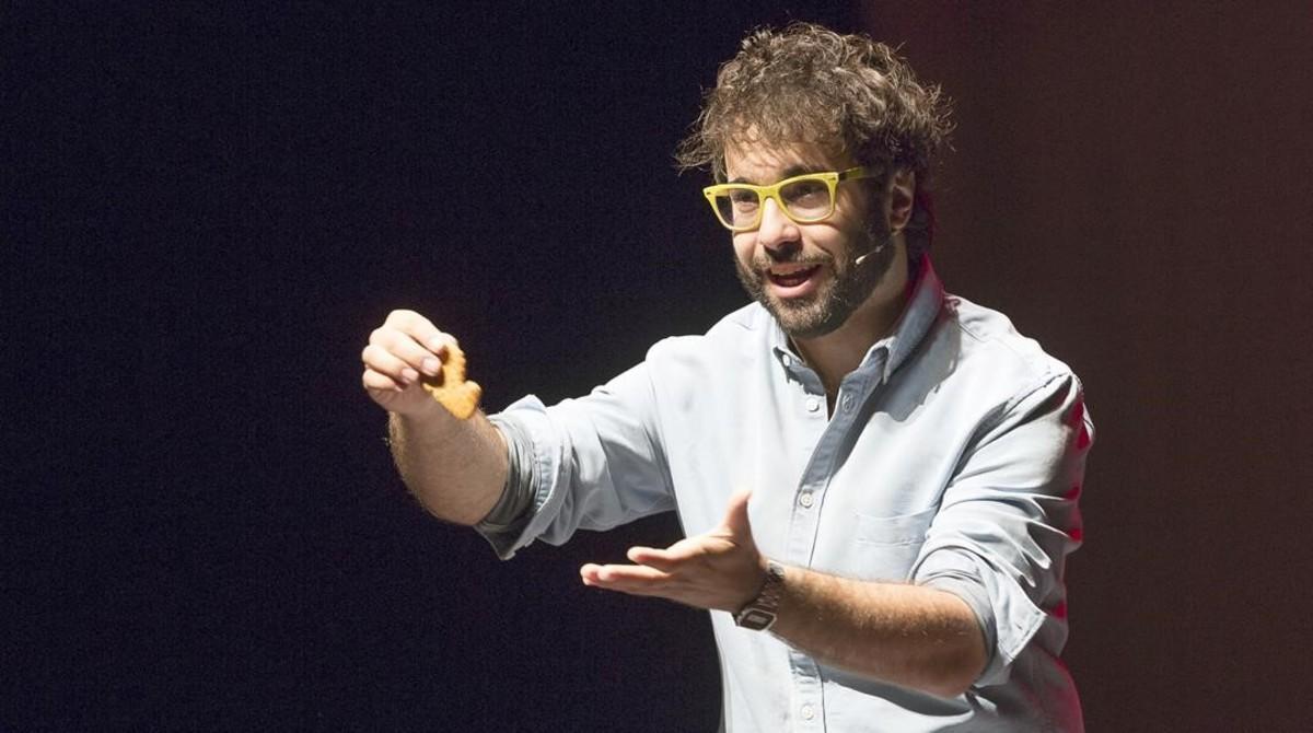 Pere Rafart, primer premio en la modalidad decartomagia durante el Congreso Mágico Nacionalcelebrado en Manresa.