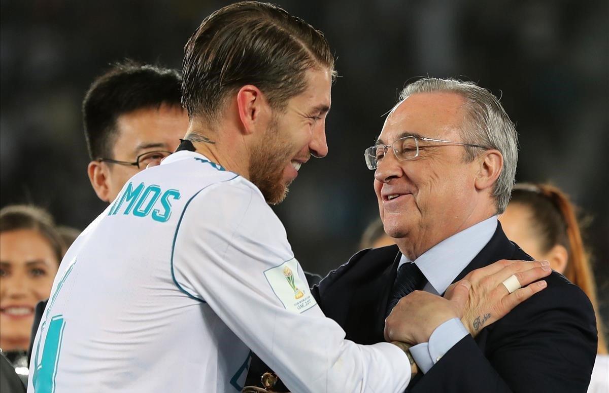 Sergio Ramos junto a Florentino Pérez.