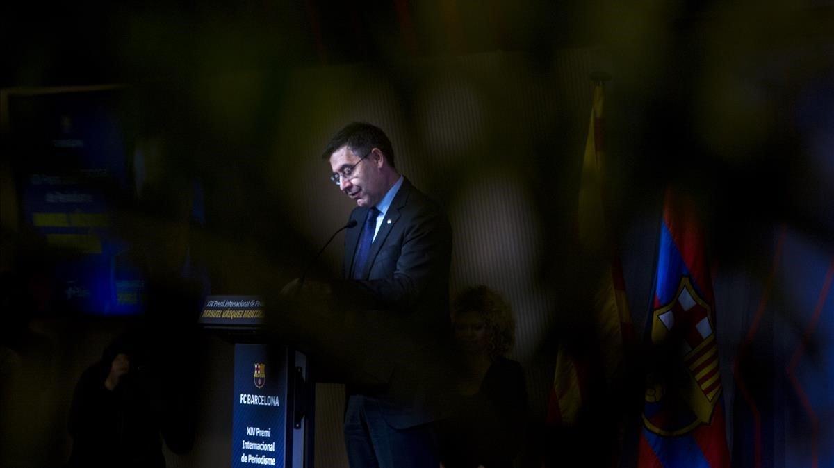 Bartomeu, en la entrega del premio Vázquez Montalbán a Valdano.