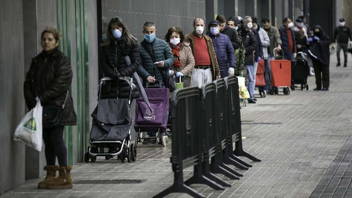 La Generalitat recomana ara l'ús de mascaretes per anar a comprar