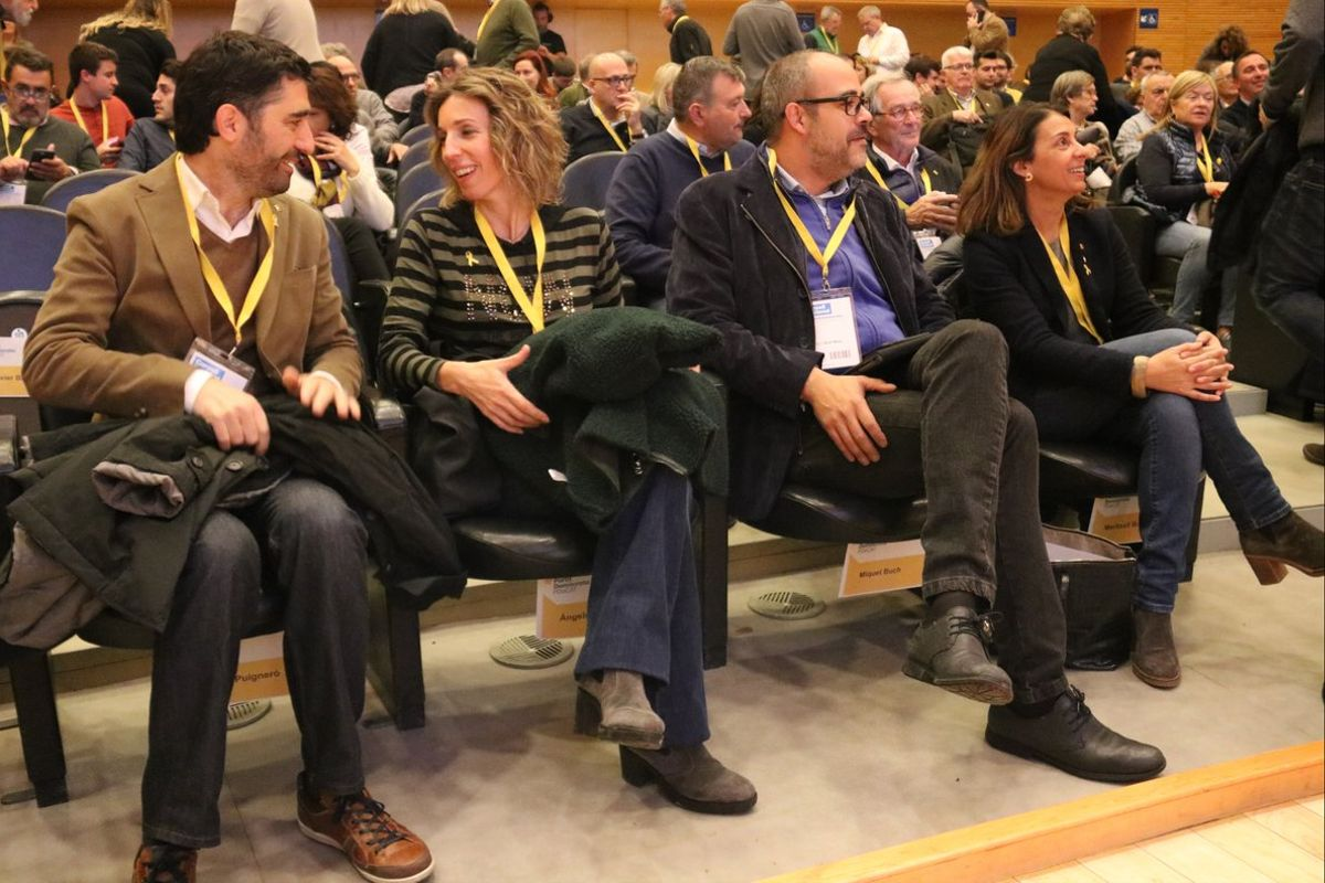 Jordi Puigneró, Àngels Chacón, Miquel Buch yMeritxell Budó, este sábado durante el consell nacional del PDECat.