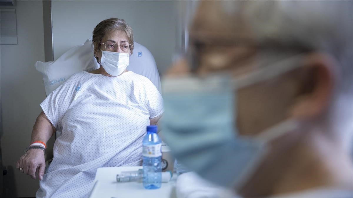 """Una enferma de covid, desde el hospital: """"No os juntéis con vuestras familias en Navidad"""""""