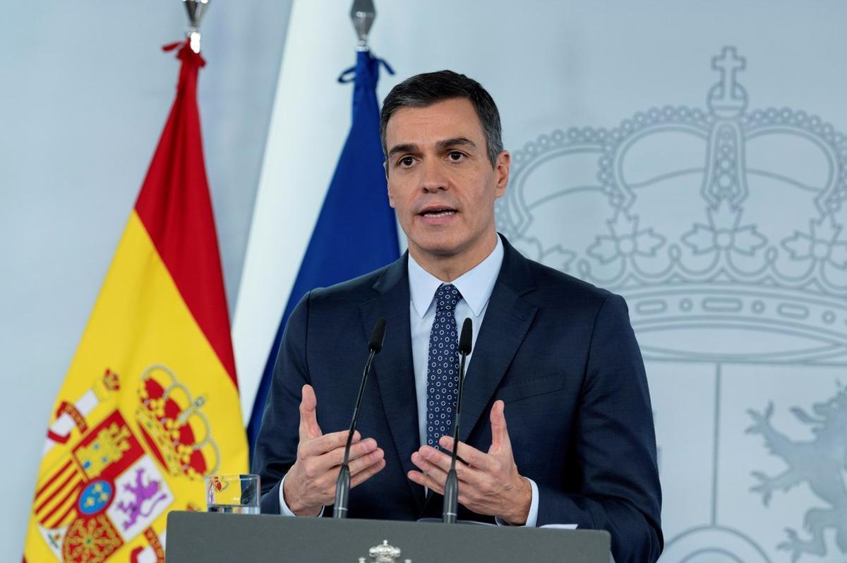 El presidente del Gobierno, Pedro Sánchez, durante su intervención en la Moncloa tras el Consejo de Ministros extraordinario de este 25 de octubre que aprobó un nuevo estado de alarma en todo el país.