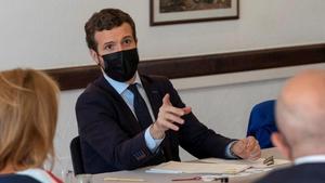 Pablo Casado, durante una reunión en La Gomera (Canarias), este viernes.