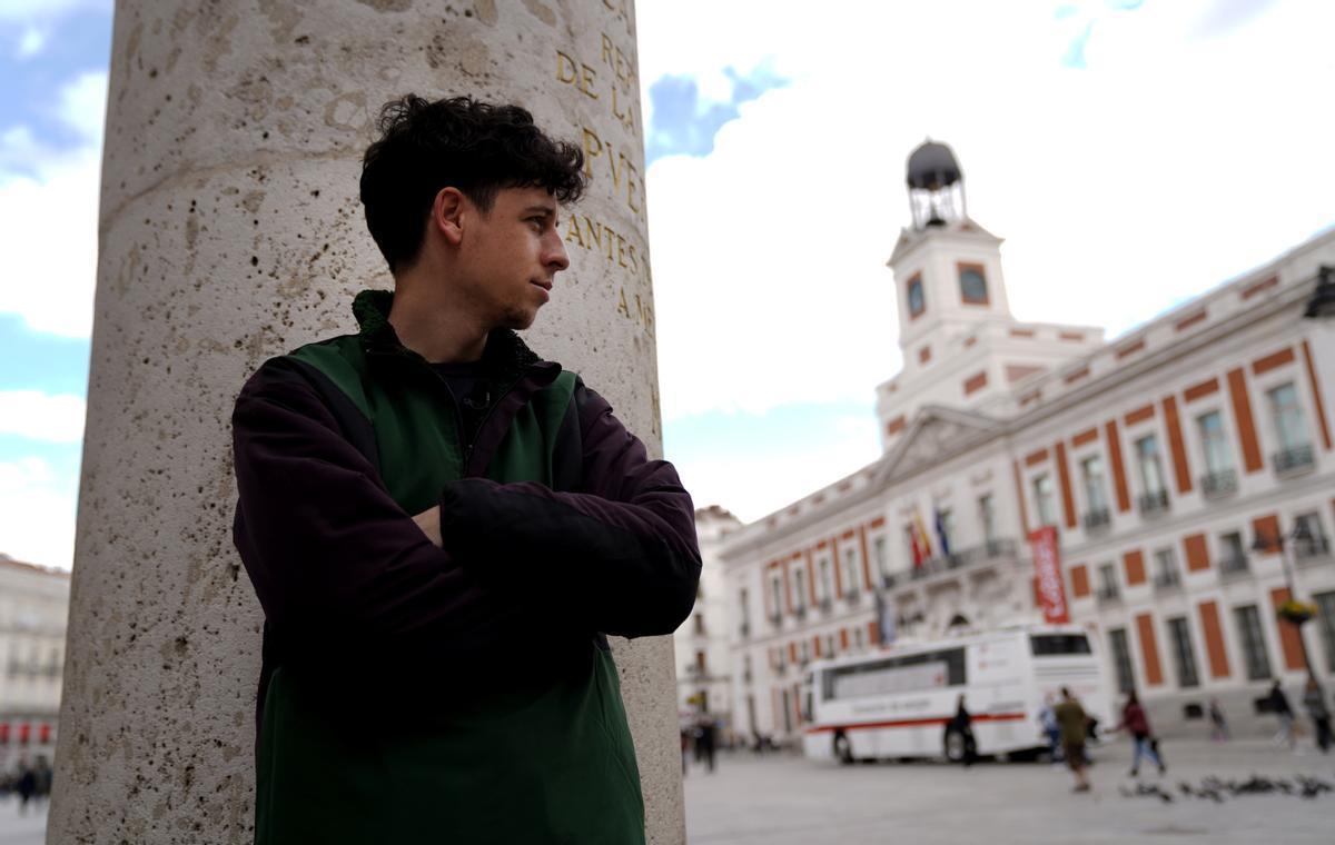 Ismail El Majdoubi, ex mena, en la Puerta del Sol.