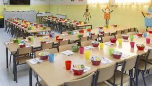 Imagen de archivo de un comedor vacío en una escuela
