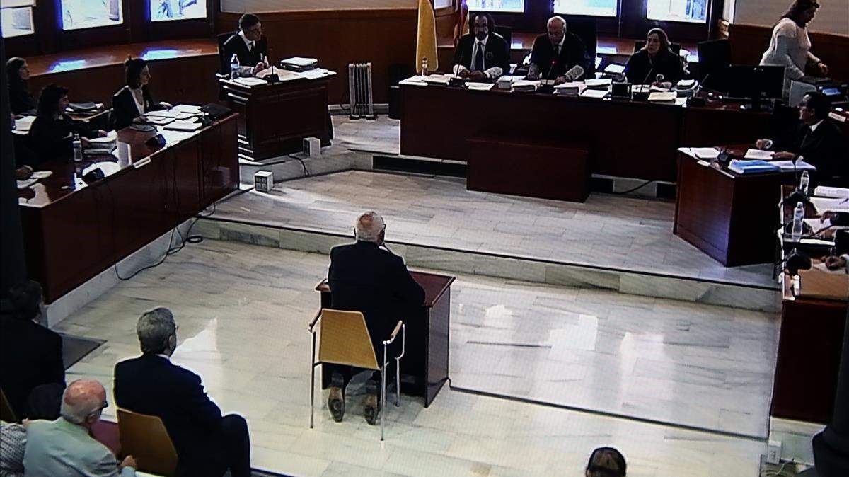 Adolf Todó, exdirector general de Caixa Catalunya, declara en la Audiencia de Barcelona.