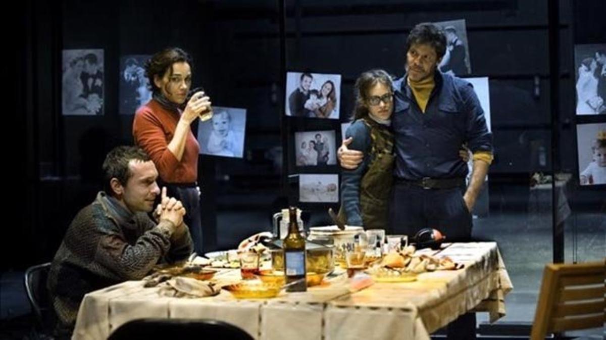 'L'ànec satvatge', de Ibsen, dirigidapor Julio Manrique en el Teatre Lliure.