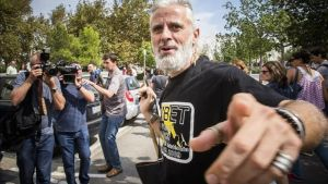 Marcos Benavent, delante delos juzgados de València.