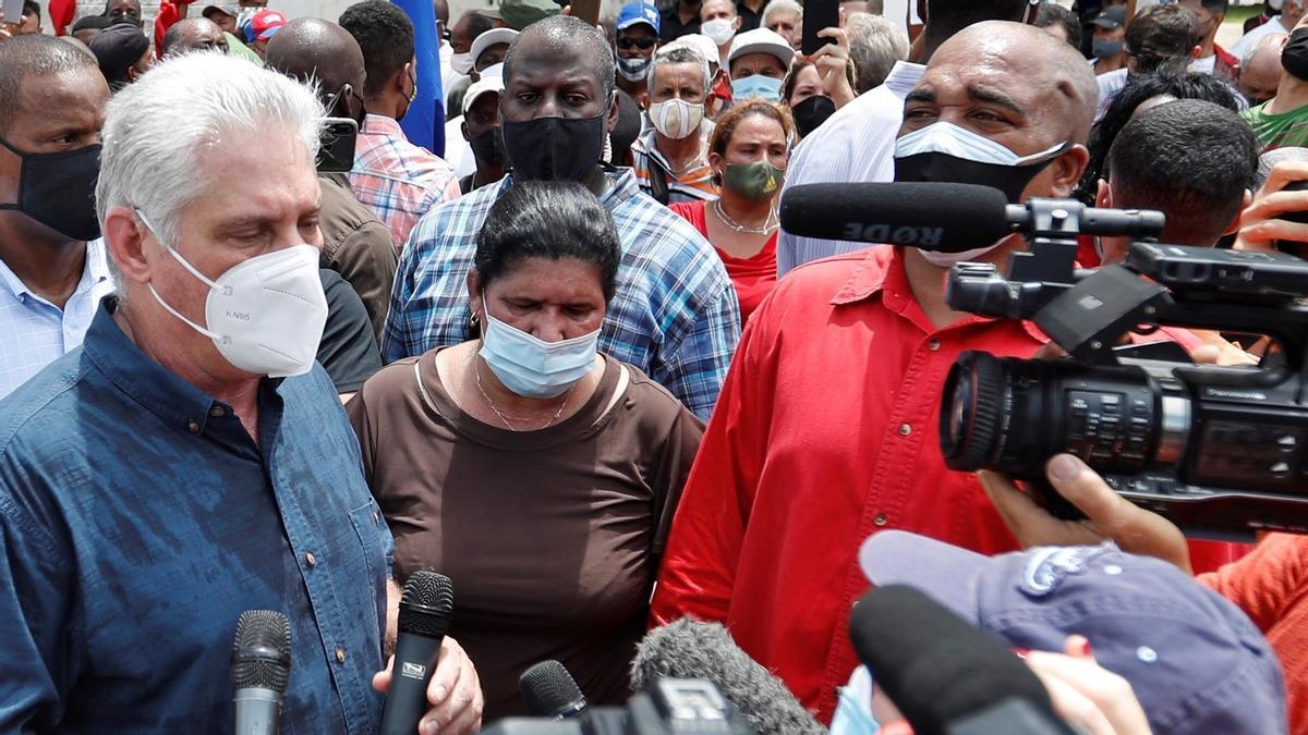 Presidente cubano convoca a sus partidarios a combatir protestas callejeras