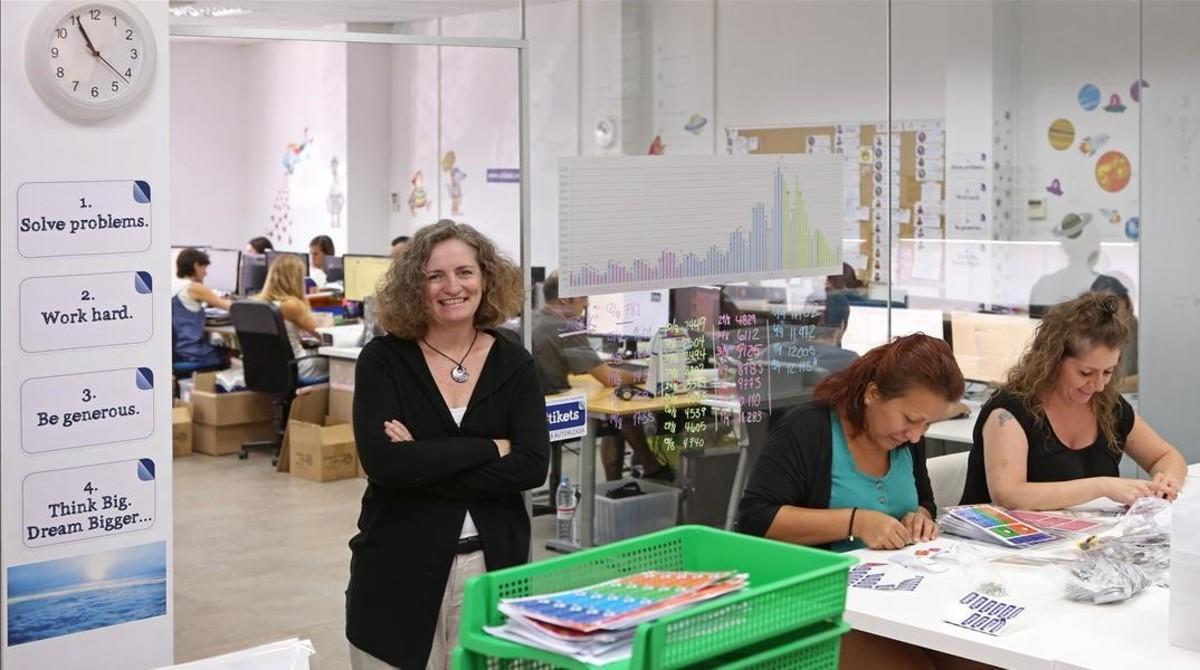 Stephanie Marko, a la izquierda, creadora de la empresa Stikets.