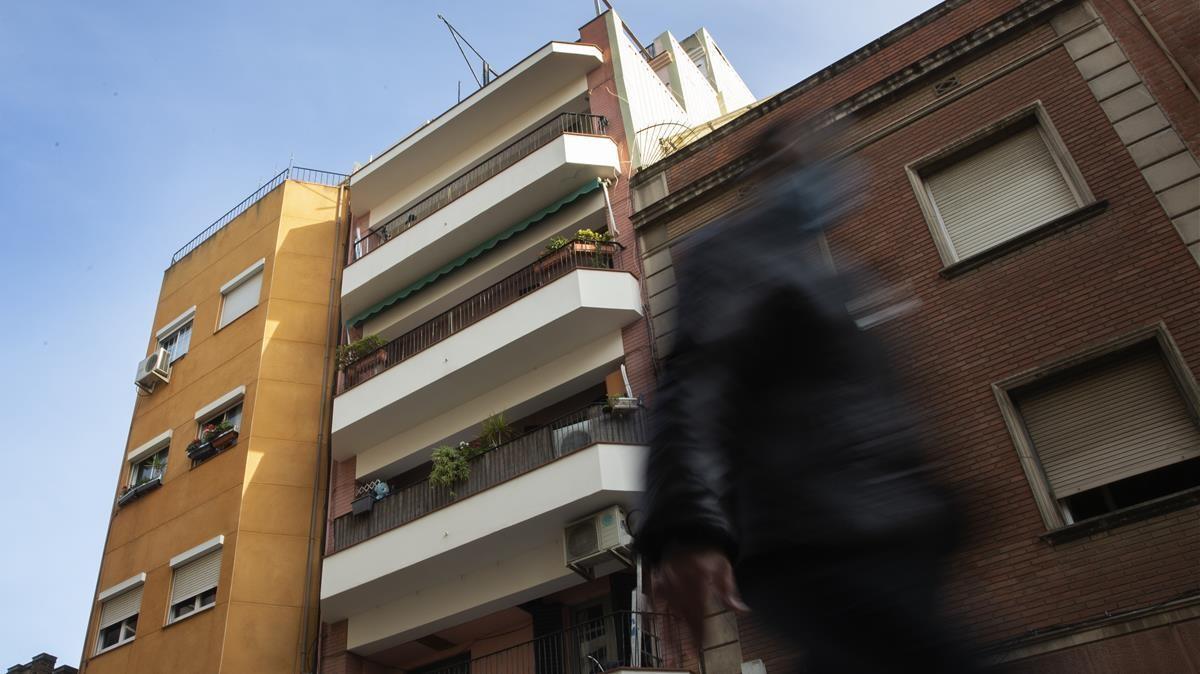 El edificio de la ronsa de la Torrassa donde se realoizó el desahucio