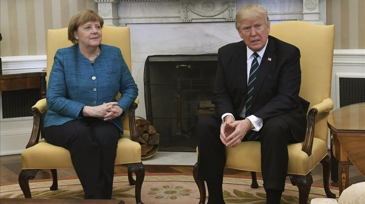 Merkel y Trump, durante su reunión en el Despacho Oval de la Casa Blanca, en Washington, el 17 de marzo.