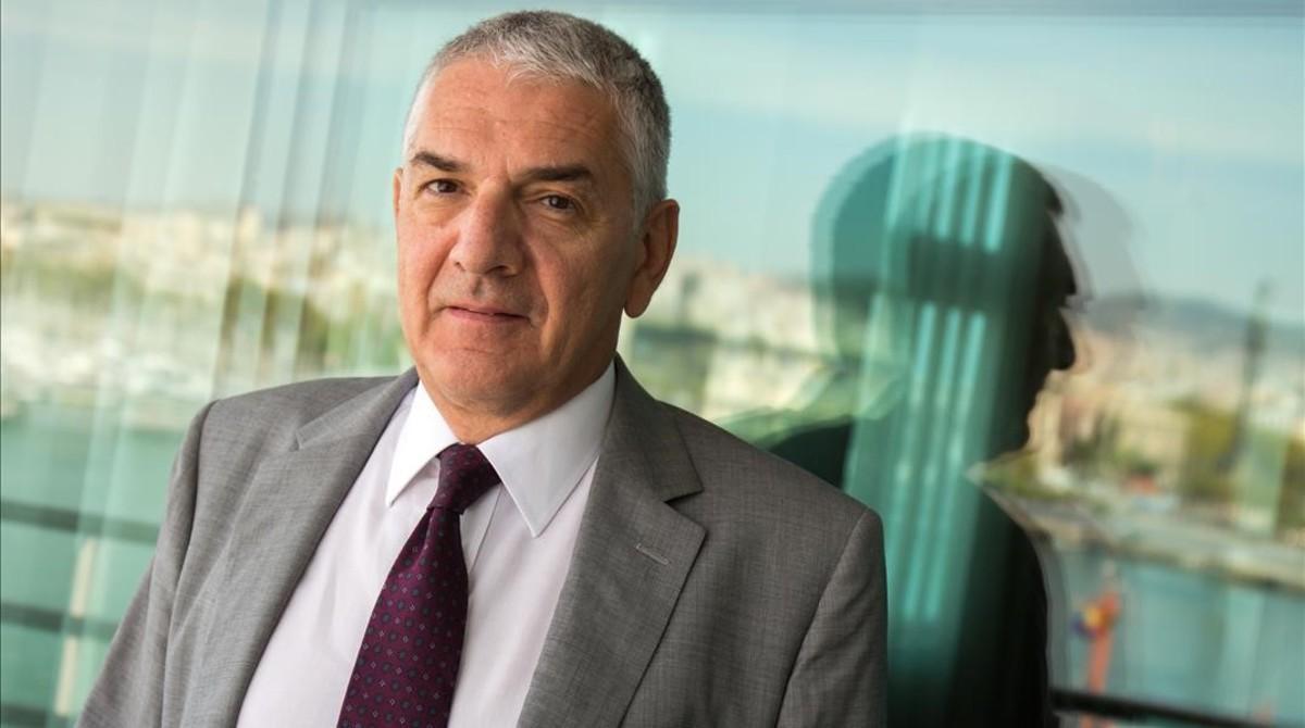 Ömer Önhon, durante la entrevista, esta semana, en un hotel de Barcelona.