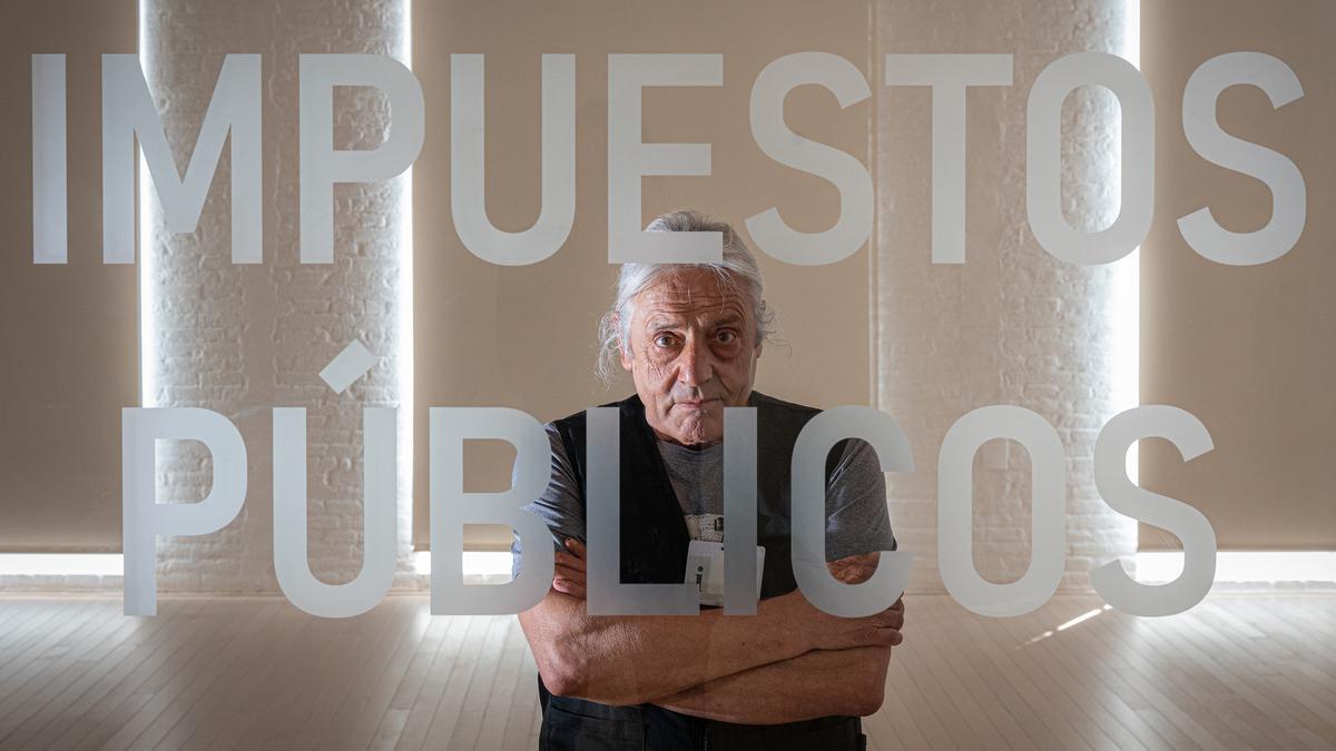 Amadeu Casellas, en la exposición 'Tot ordre es vol pur', de Núria Güell.
