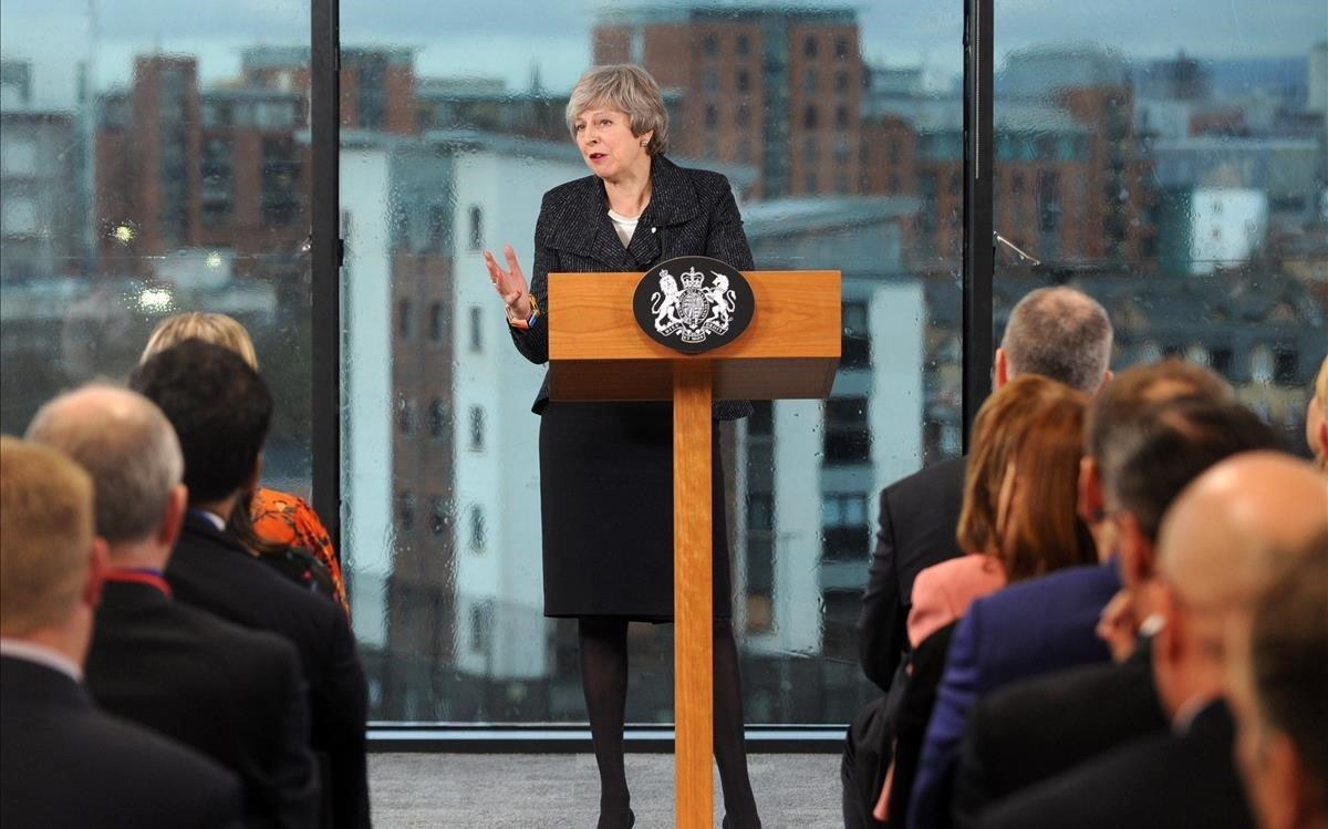 May, durante un discurso en Belfast, este martes.