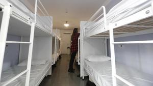 Habitación de un albergue juvenil en el Eixample de Barcelona.