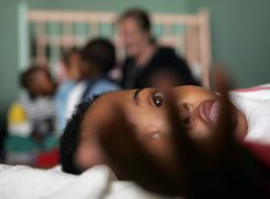Un bebé en Johannesburgo, Sudáfrica.