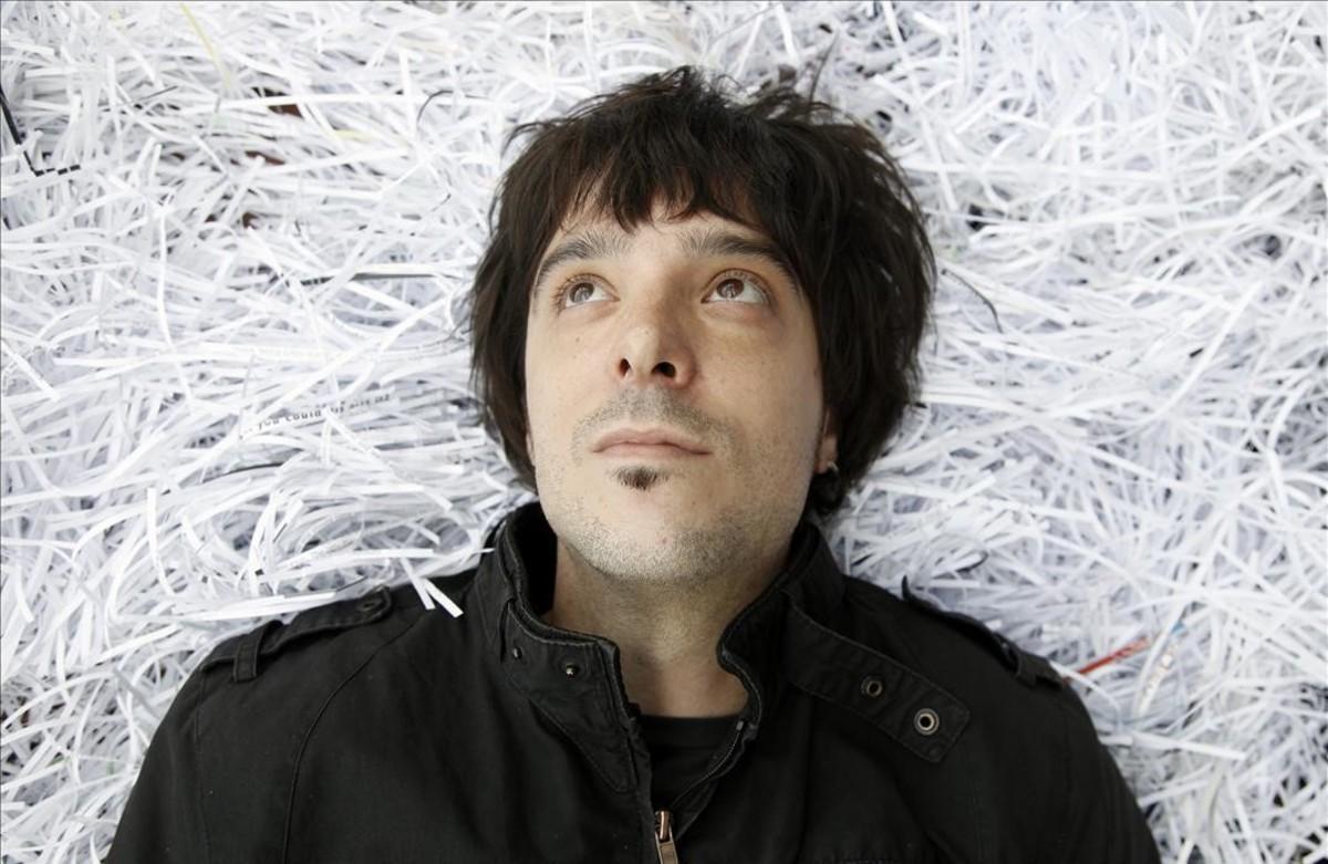 Felipe Almendros, que publica el cómicautobiográfico R.I.P.