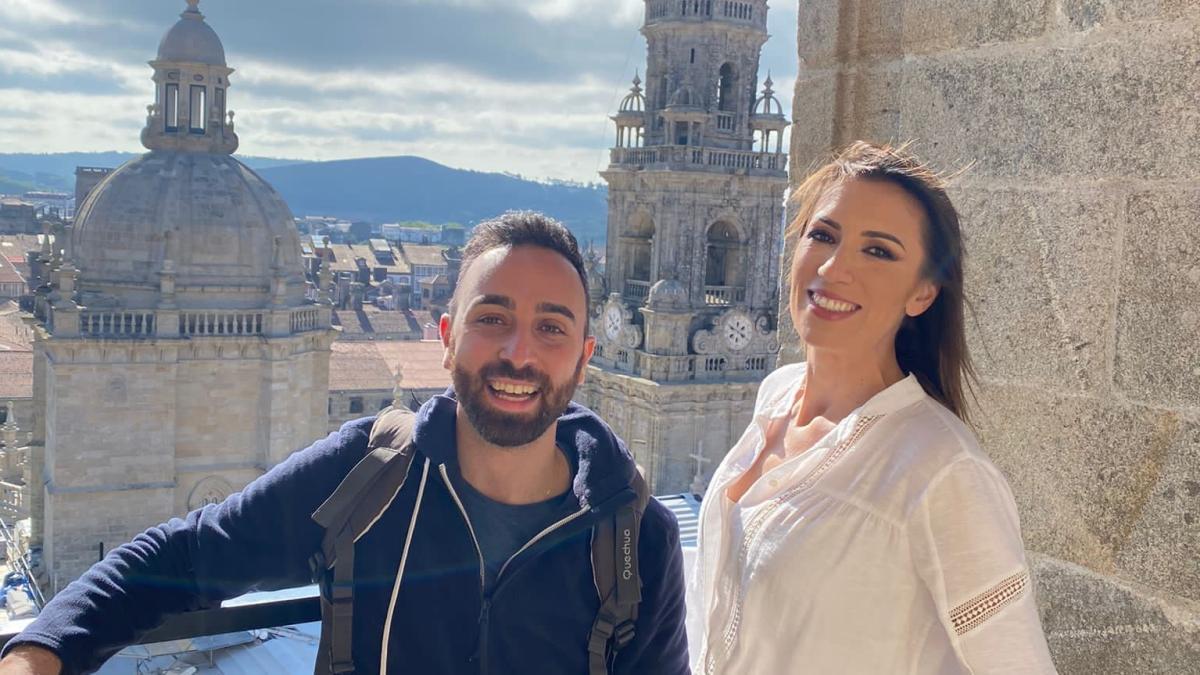Patricia Pardo i el xef Pepe Solla acompanyen 'Viajeros Cuatro' en el seu recorregut per Santiago de Compostel·la
