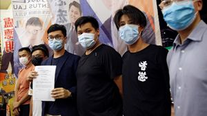 Tres de los activistas políticos descalificados para participar en las elecciones.