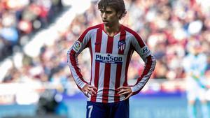 El atlético Joao Félix se lamenta tras una jugada en el partido ante el Leganés.