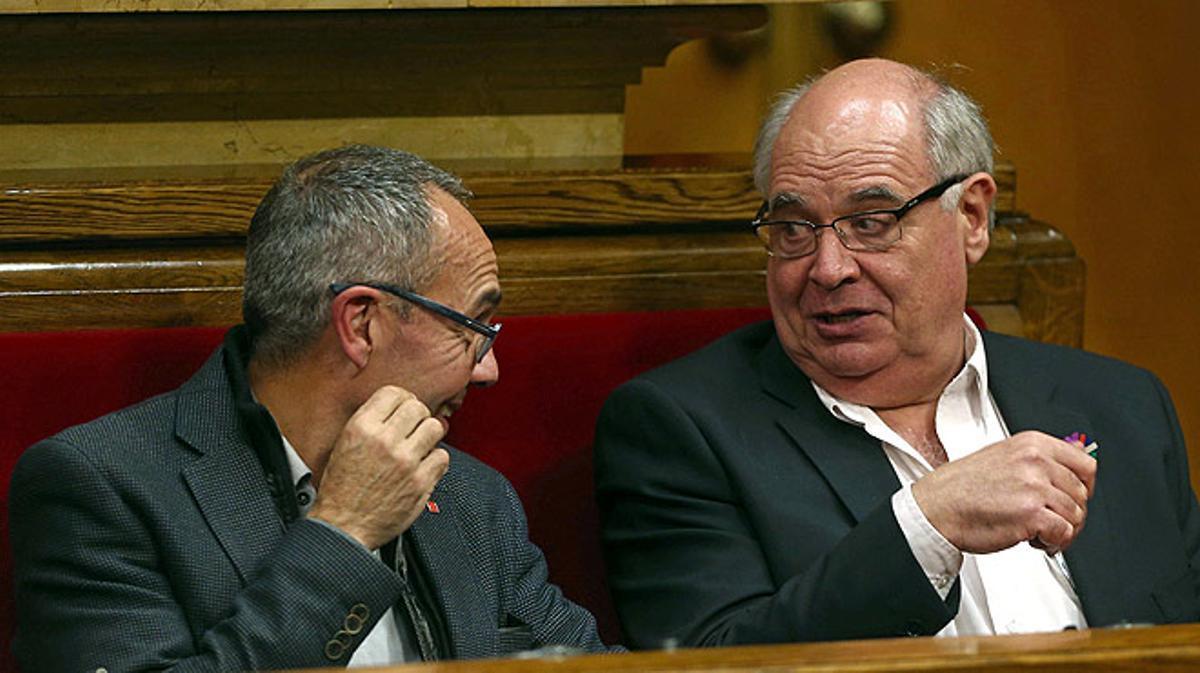 En su intervención durante el pleno de investidura de Carles Puigdemont, Rabell ha tildado el proceso independentista de engañifa y de fanfarronada.