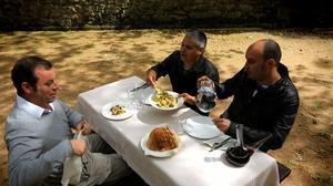 Sandro Rosell, Nandu Jubany y Llucià Ferrer, en una imagen de 'Menú de cap de setmana'.
