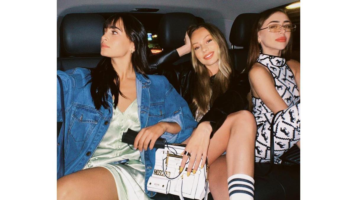 Aitana, Ester Expósito, Nicki Nicole y Broncano protagonizan el selfi del verano