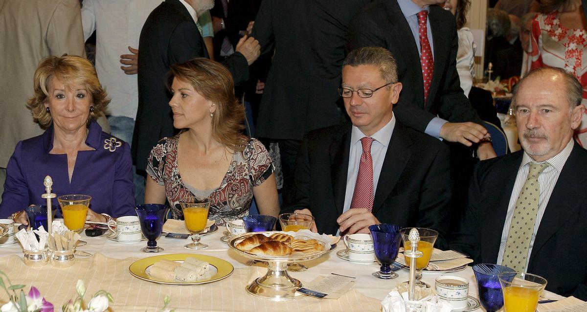 Aguirre, Cospedal, Gallardón y Rato, en una foto de archivo de junio de 2010, en una conferencia en Madrdid.