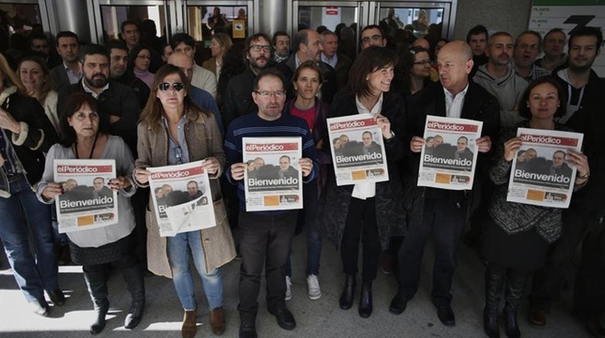 Trabajadores de Grupo Zeta y de El Periódico se concentran en Madrid para celebrar la liberación de Marc Marginedas.