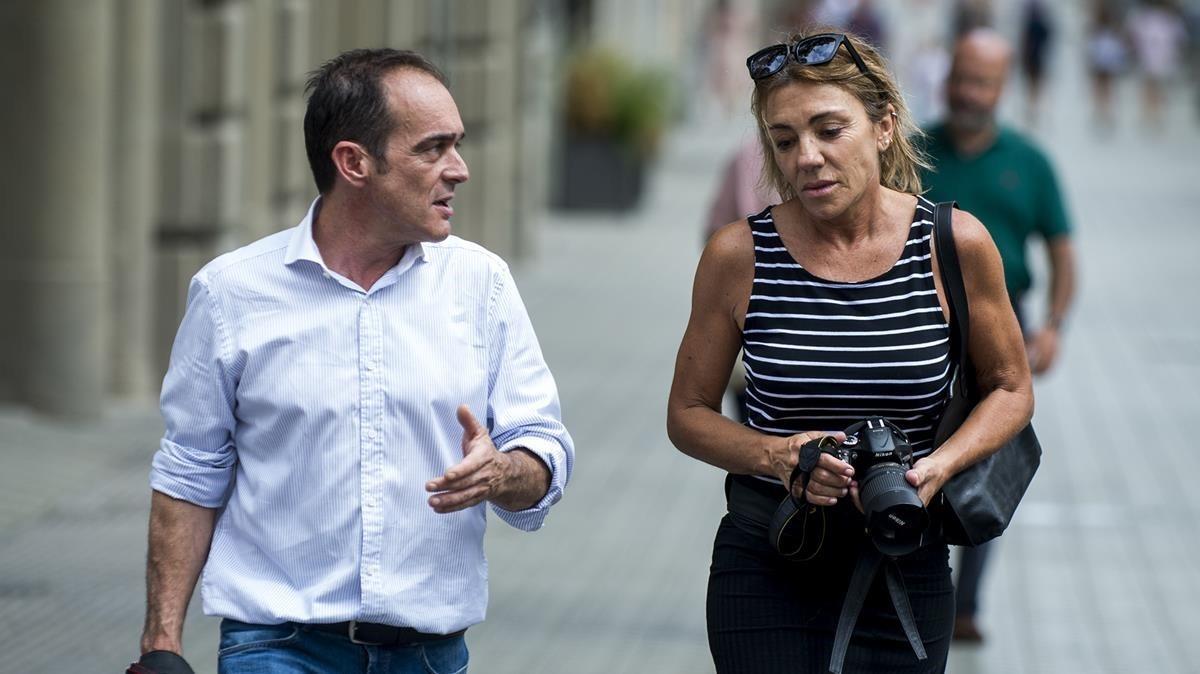 David Armengou y Marcela Miret,autores de la foto del atentadopublicada en la mayoría de diarios. JORDI COTRINA