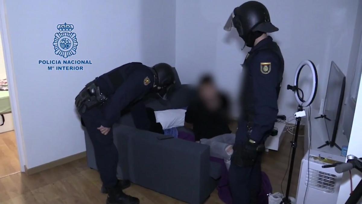 Quince detenidos en Madrid, Barcelona y Sant Adrià de Besòs por estafar haciéndose pasar por empleados de telefonía